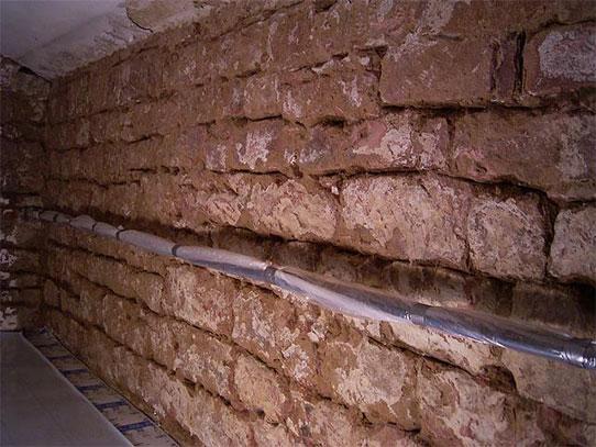 Freigelegte Wand